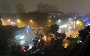 Rejält åskoväder på kvällen